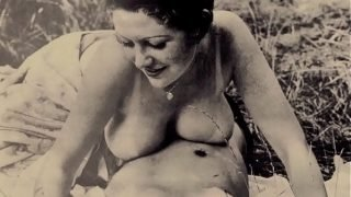 Taboo Vintage Mom 'Oh Darlin' I Think You're Bigger Than Your Daddy'